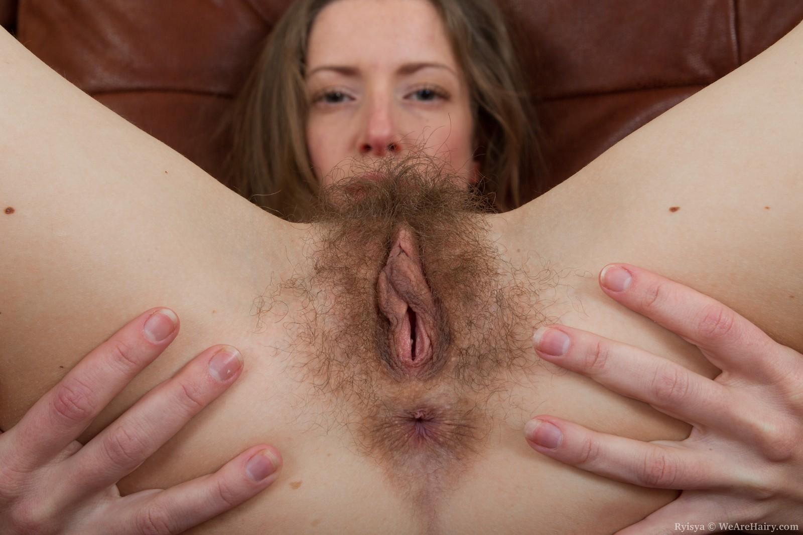 Секс с длинноногими русскими моделями с волосатым лобком 14 фотография
