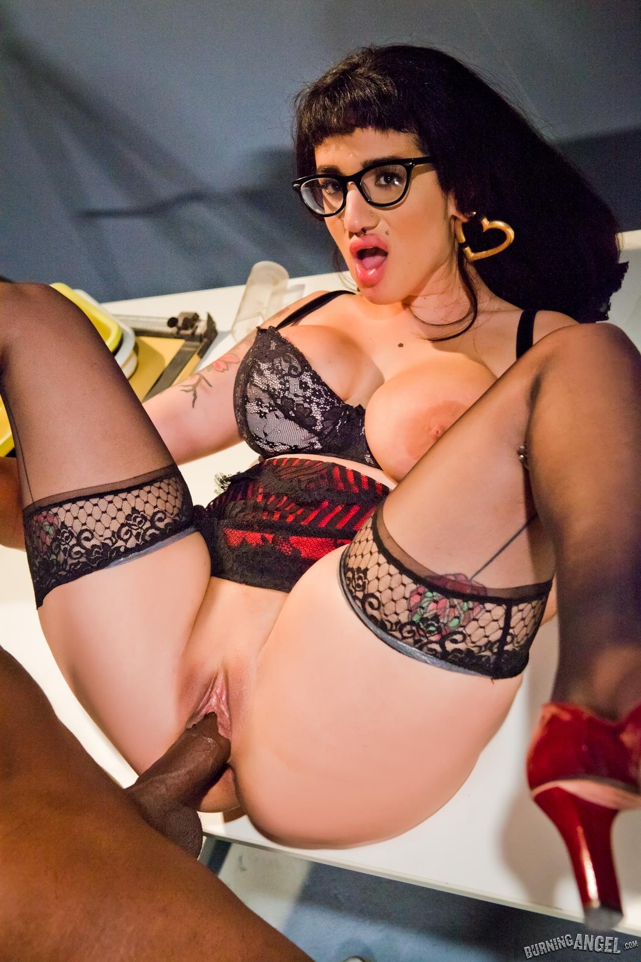 Arabelle Raphael фото эротика и порно
