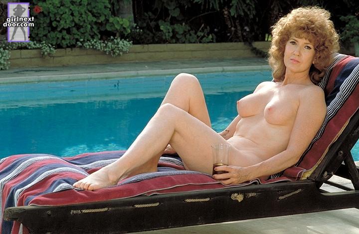 galerie magazin girl next door nude pics