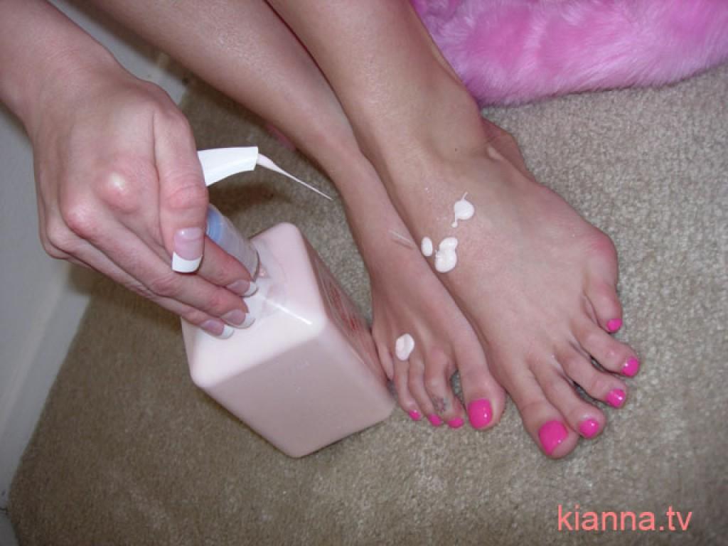 Kianna dior feet porn, free sexy young spanish pussy pics