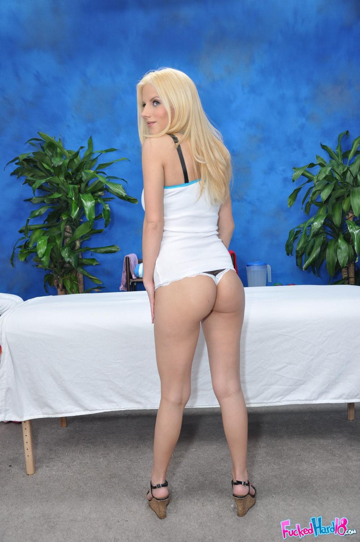 Free xxx hard body blondes fucking nude fotos