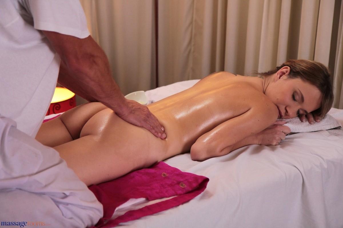 nuru massage sex Bussy-Saint-Georges