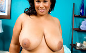 XL Girls Look Out For Girls Named Delilah! 27803