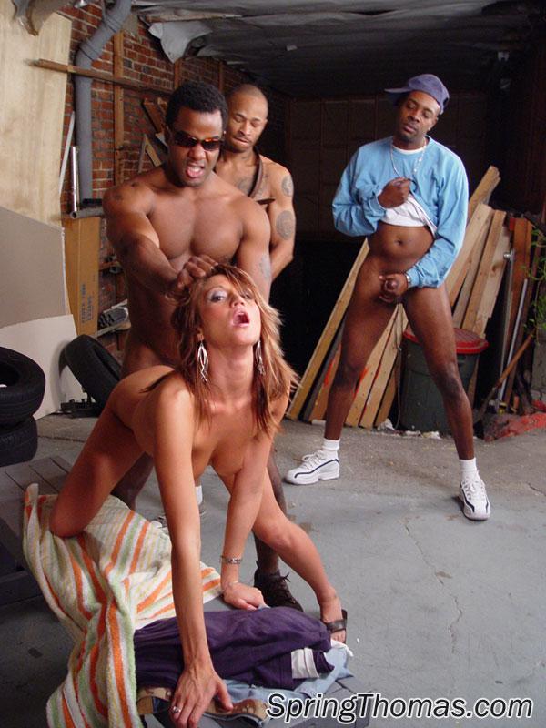 Gangbangs Kostenlose Galerien interracial Gangbang
