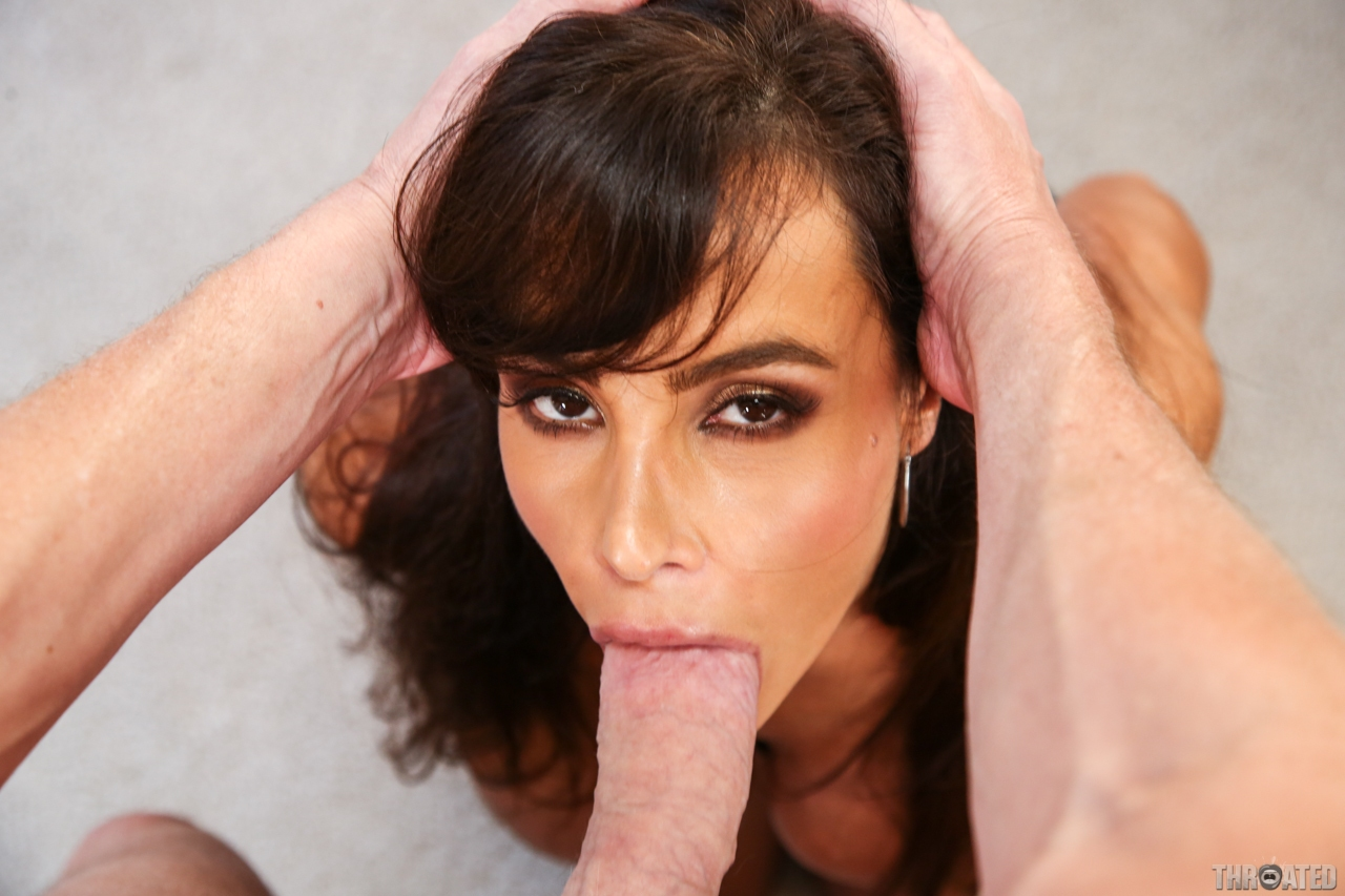 lisa eskort deep throat sex