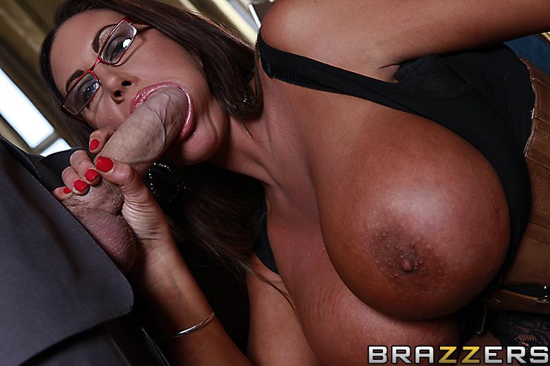Порно онлайн emma butt