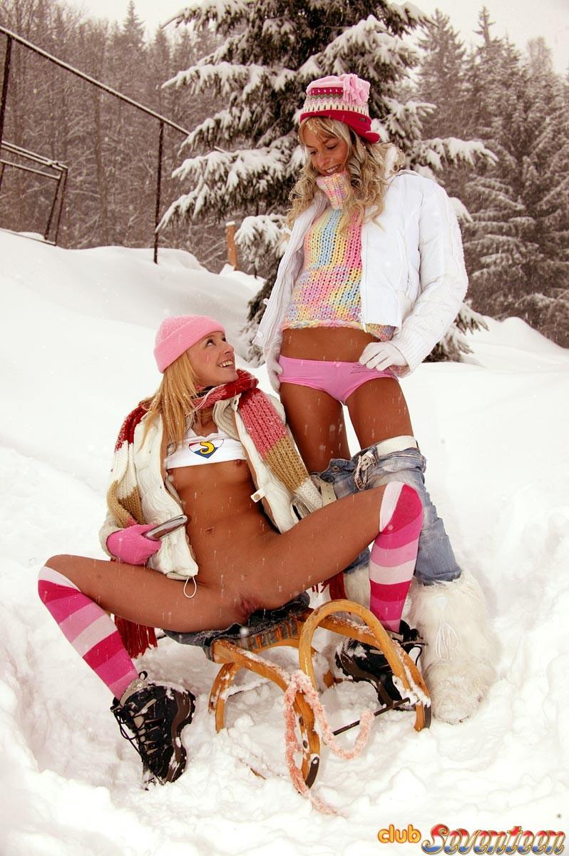 Snowy Sinclair  nackt