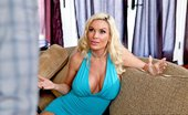 MILFs Like It Big Diamond Foxxx Mrs Fortune 121107 Tonight Diamond Foxxx is on the prowl anxious for some large young cock. She immediately pounces on ...