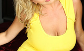 Rachel Aziani In Yellow Beautiful Looks Like Sunshine In This Yellow Dress!