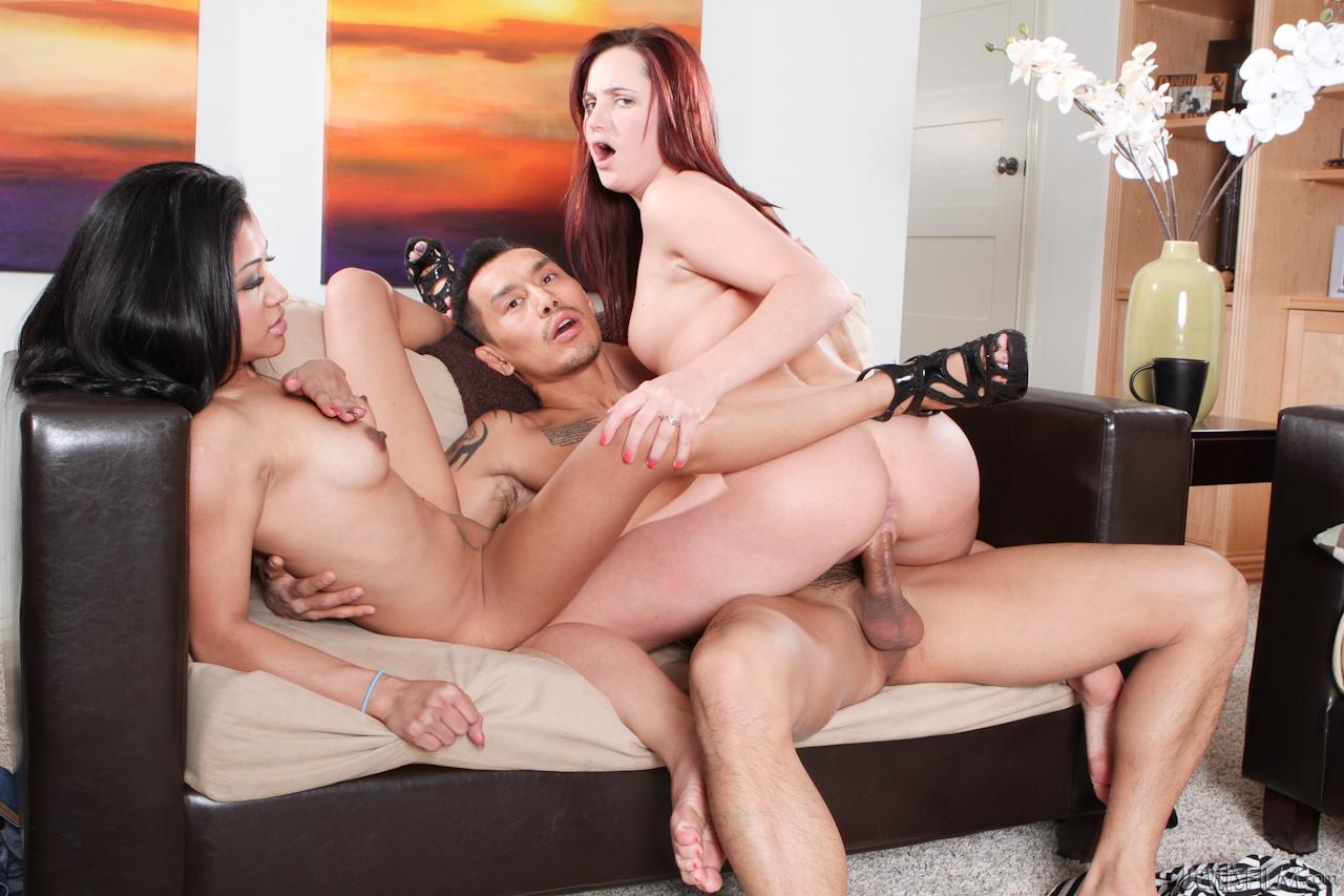 Смотреть американки ххх, Студия naughty America - новое порно видео в HD 4 фотография