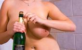 Cosmid.net Shione A Little Champagne