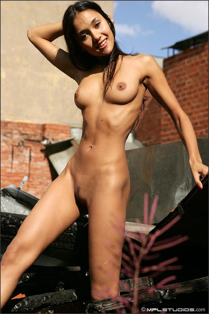 Nackt kamilla Kamilla Senjo