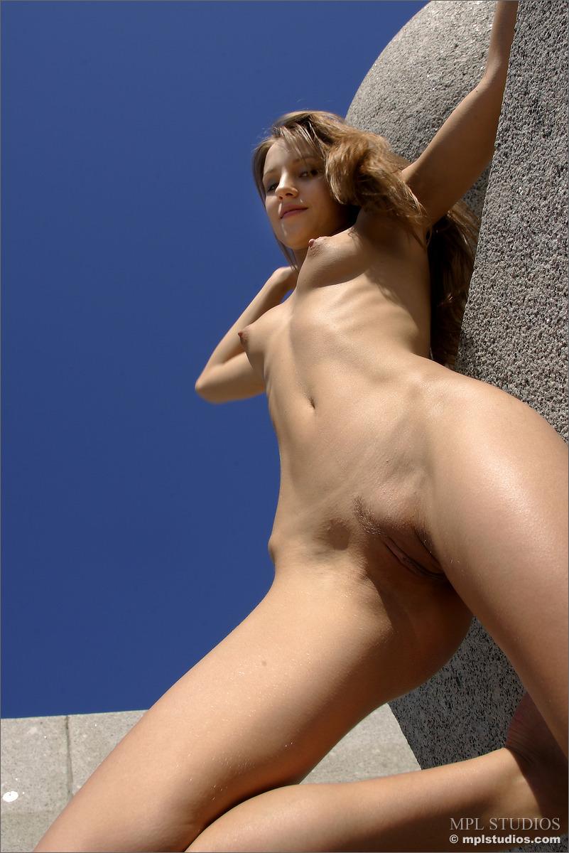 Alisa bachelorette nackt