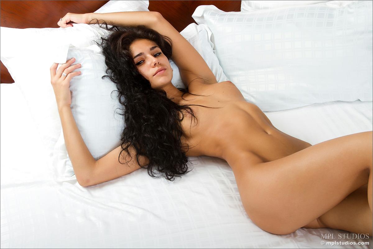 Смотреть порно ролики с цыганочками 14 фотография