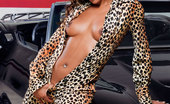 Private.com Dunia Montenegro Dunia Montenegro Private Amazing Silk Skin Ebony Fucking In The Garage