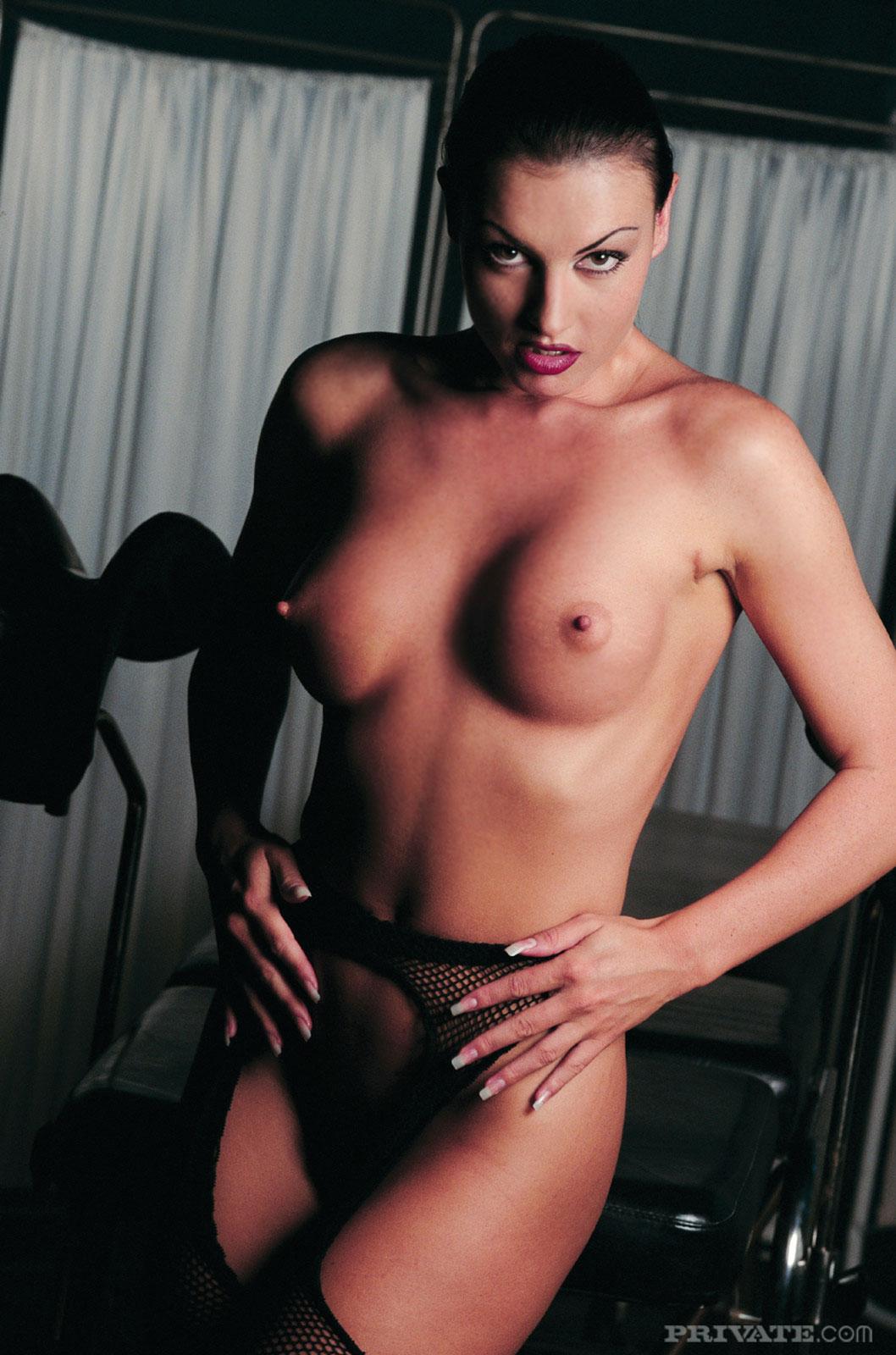 Фото порно актрисы laura angel