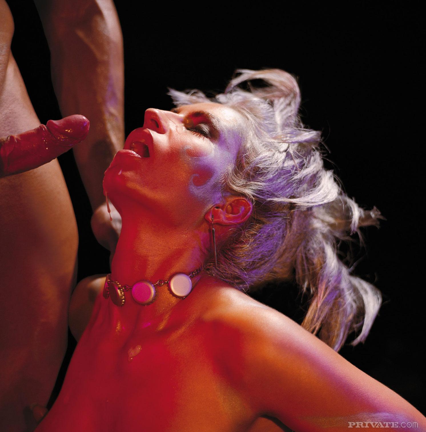 Naughty milf s nude pics