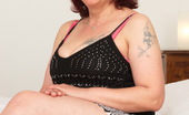 Mature.nl Horny Mature Lady Getting Ready To Please Herself