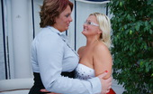 Mature.nl Two Lesbian Housewives Get Ready For Playtime