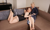 Mature.nl Two Lesbian Housewives Get Ready For Action