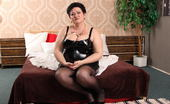 Mature.nl Big Breasted Mature Lady Getting Ready For Masturbation