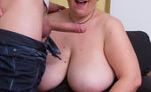Mature.nl This Big Mama Loves Her Toy Boy Hard And Long
