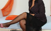 Mature.nl Naughty Housewife Getting Her Groove On