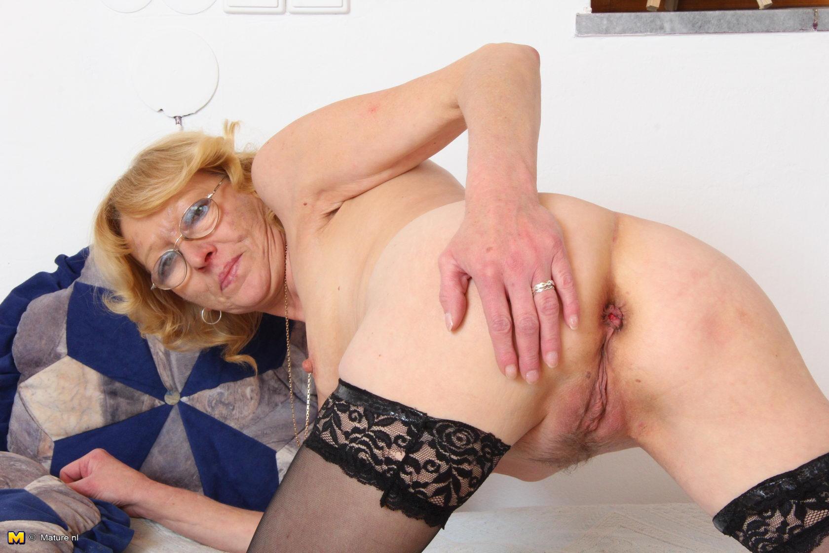 Трахать бабушек в жопу фото 23 фотография