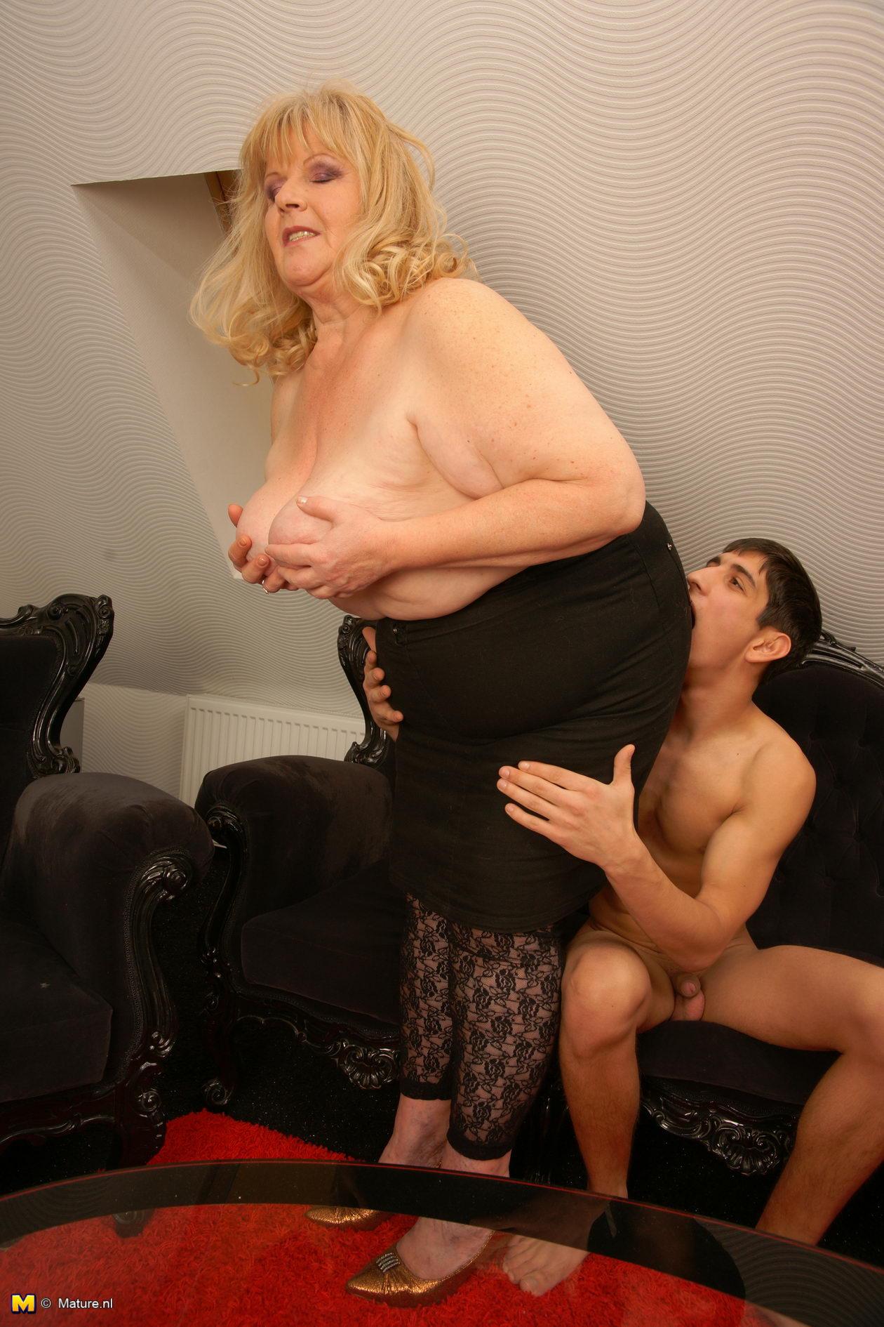 Fucking Hot Blonde Step Mom