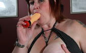 Mature.nl This Big Mama Loves Riding Her Dildo