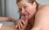 Mature.nl Chubby Mama Fucking A Younger Dude