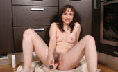 Mature.nl 141320 Kinky Housewife Playing With Herself