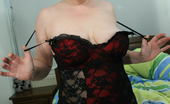 Mature.nl Masked Mature Slut Playing With Her Body