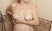 Mature.nl All Is Relaxed And Well In This All Female Mature Sauna
