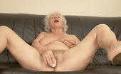 Mature.nl This Lovely Old Nympho Sure Knows To Please Herself