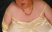 Mature.nl Chubby Mature Slut Malinka Gets Naughty