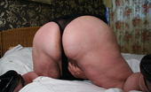 Mature.nl Big Mature Slut Playing On Her Bed With A Dildo