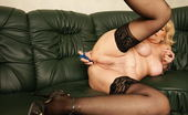 Mature.nl Kinky Mature Slut Loves To Play With Herself