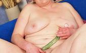 Mature.nl Big Mama Showing Us Her Full Body
