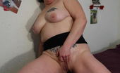 Mature.nl When This Housewife Gets Horny She Just Uses Her Fingers