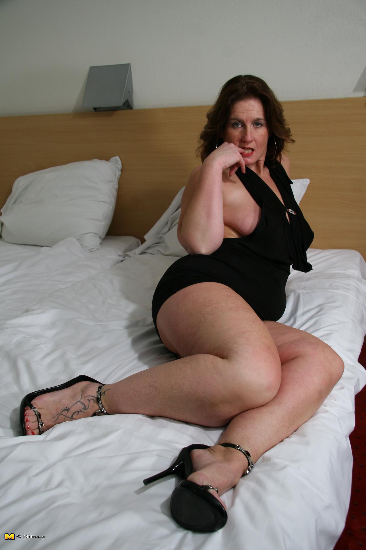 milf sexy wife fucking pics