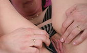 Mature.nl Horny Mature Slut Playing With Her Pussy