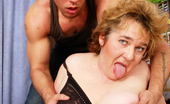 Mature.nl Big Mama Playing With Her Strapping Toy Boy