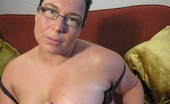 Mature.nl Chubby Mature Slut Playing With Herself