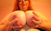 Mature.nl Chunky Mature Slut Showing Her Full Body