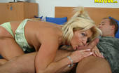 Mature.nl Horny Housewife Getting Banged By A Younger Man