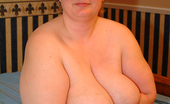 Mature.nl Chubby Mature Nympho Showing Her Succulant Body