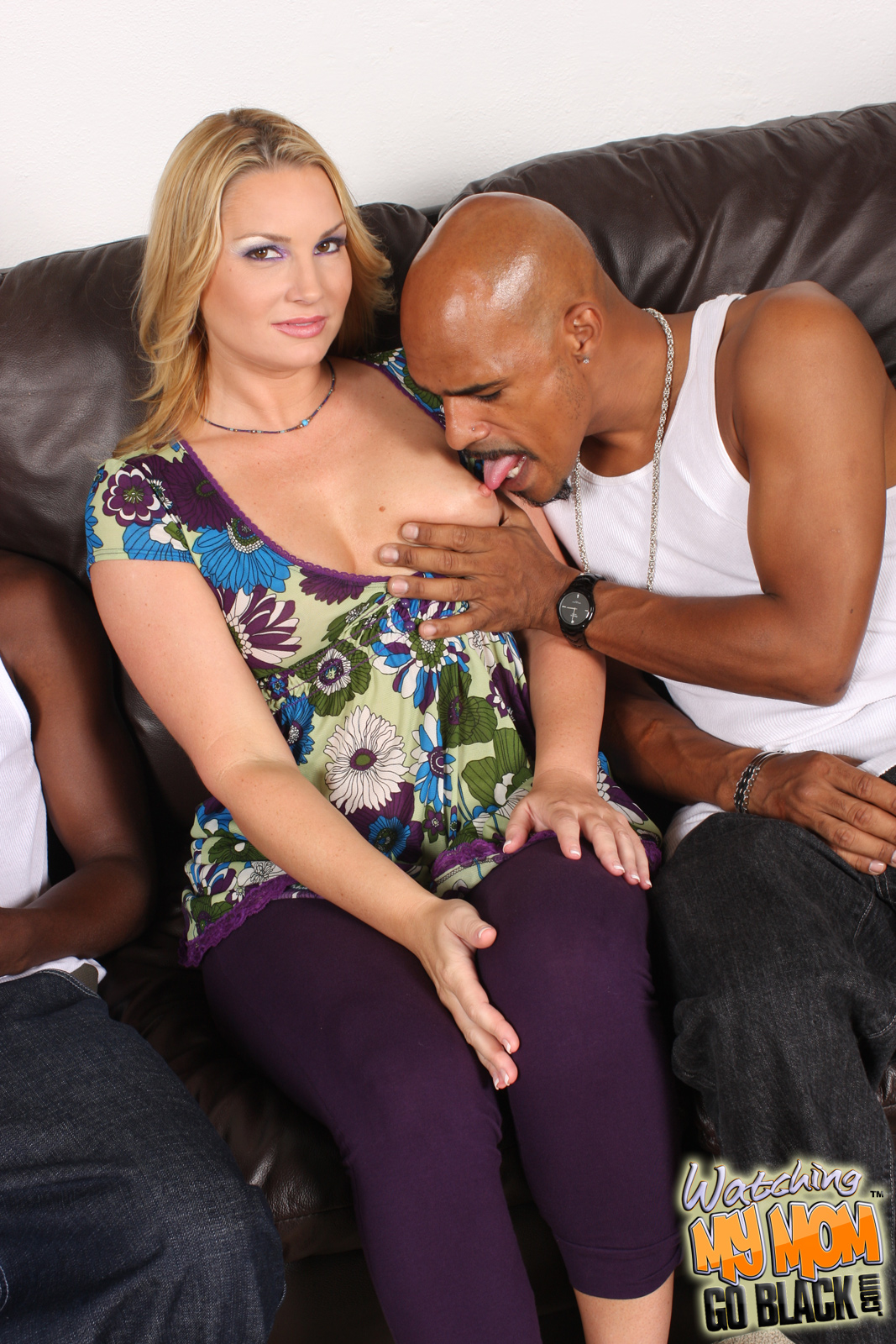 watching my mom go black flower tucci forced to watch cougar mom