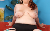 Young Fatties Cute Fatty Takes A Pussy Pounding And A Big Facial