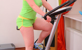 Young Fatties Cute Fat Teeny Takes Her Clothes Off After Workout
